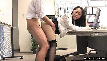 日本朴素OL長相一般但原來是肉食慾女 愛吃大肉棒口交,OL、口交、無碼成人影片、免費A片