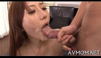 人妻喜愛精液洗臉,人妻、口交、口爆成人影片、免費A片