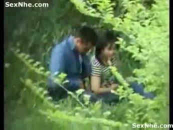 野外草叢中偷拍他人做愛真實,偷拍、野外成人影片、免費A片