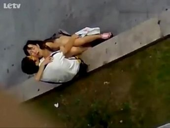 情侶激情手口齊上實拍,偷拍、公眾場所、愛撫成人影片、免費A片