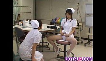 乖乖女小護偷偷在診治室手淫起來,按摩棒、自慰、護士成人影片、免費A片