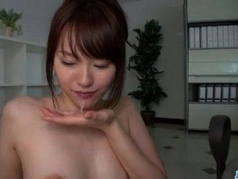 小乳女反特淫蕩開心口交玩肉棒,3P、OL、口交成人影片、免費A片
