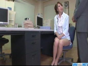 經理硬要女秘書上班玩,愛撫、按摩棒、秘書、調教成人影片、免費A片