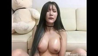 美人美乳脫衣直播扣穴蜜汁滿出來,自慰、視訊、韓國成人影片、免費A片