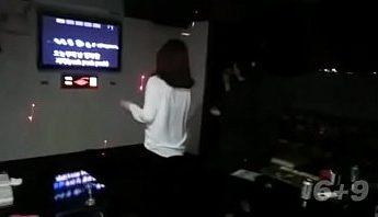 KTV邊人唱歌我幹炮,KTV、性愛派對、自拍成人影片、免費A片