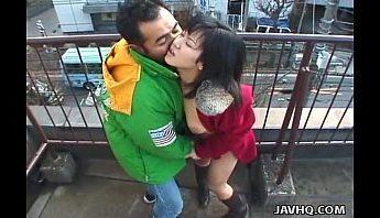 追求刺激情侶在樓頂露天搞,口交、愛撫、無碼成人影片、免費A片