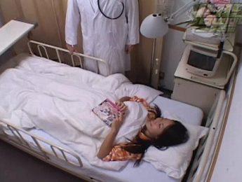 惡德醫師半夜猥褻熟睡女病人,口交、愛撫、醫師成人影片、免費A片