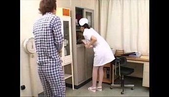 深夜病人睡不著需要愛愛助安眠,口交、愛撫、護士成人影片、免費A片
