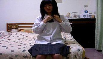 台灣學生妹視訊脫光光自慰很爽,女學生、直播、視訊成人影片、免費A片