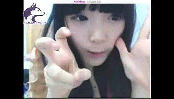 不知成年沒的台灣JK女子高中生小女孩, 偷媽媽性感內衣上視訊露穴,台灣、女學生、視訊成人影片、免費A片
