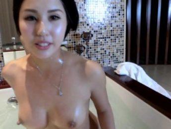 娜依靈兒~中國靚模浴缸裸洗,娜依靈兒、無碼、自摸成人影片、免費A片