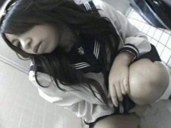 女學生廁所自慰被偷拍,偷拍、女學生、自慰成人影片、免費A片
