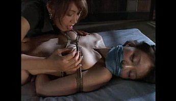 女生柔軟的舌頭讓人欲罷不能,女女、愛撫、捆綁成人影片、免費A片