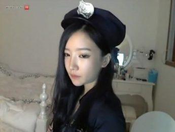 視訊妹警察COSPLAY高級色誘,COSPLAY、朴妮唛、視訊、視訊妹、警察成人影片、免費A片