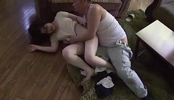 小叔強上騷貨人妻,亂倫、人妻、無碼成人影片、免費A片