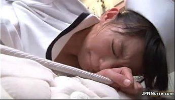 夜間強姦病間女護士股間 性慾倒錯症病人 沒吃藥忍不住強姦餵藥的護士,強姦、無碼、護士成人影片、免費A片