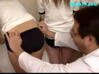 醫師查看女學生嫩穴發育程度,女學生、愛撫、醫生成人影片、免費A片