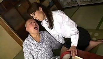 禁斷看護異常性慾色情狂義父虜獲媳婦 不倫亂倫無碼,不倫、亂倫、媳婦成人影片、免費A片