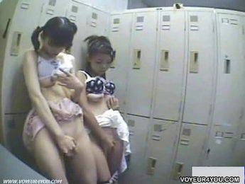 學生妹偷竊肉償,愛撫、拍攝、自慰成人影片、免費A片