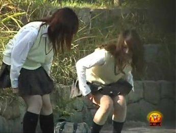 女學生戶外尿尿特輯1,偷拍、女學生、放尿成人影片、免費A片