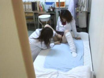 學校體檢女醫看微濕肉屄,女女、女學生、女醫、愛撫成人影片、免費A片