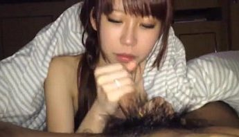 自拍台灣小女友含雞巴幫打手槍 早晨晨操操幹被女友含雞叫起床,口交、打手槍、自拍成人影片、免費A片