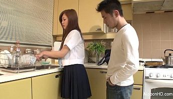 廚房洗碗被要求口爆,口交、女學生、無碼成人影片、免費A片