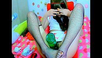 嬌柔正妹直播酒瓶自慰,直播、自慰、視訊成人影片、免費A片