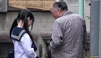 少女缺父愛女學生專找中年男子援助交,女學生、愛撫、援助交成人影片、免費A片