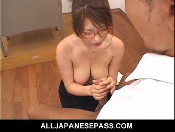 小乳女教師奶小人特淫,乳交、口交、女教師成人影片、免費A片