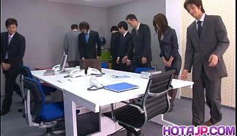 超淫女同事上班邊自慰邊接電話,OL、假陽具、自慰成人影片、免費A片